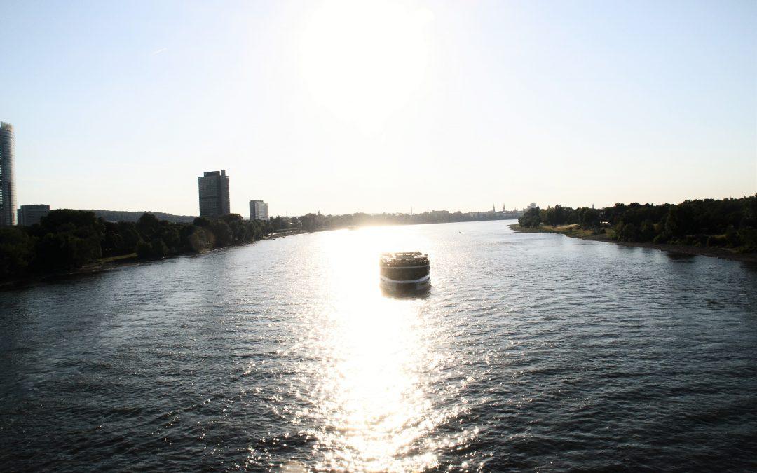 Zwischenruf #8  Nu & Jo Ke – Who Loves The Sun